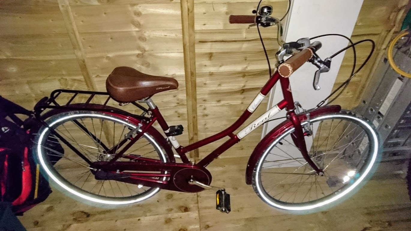 Real Classic Ladies Bike 3 speed Red 17