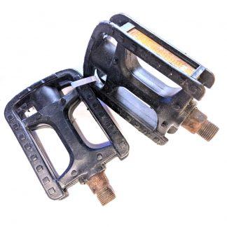 "HF-826 Plastic Bicycle Pedals Pair 9/16"" Black"